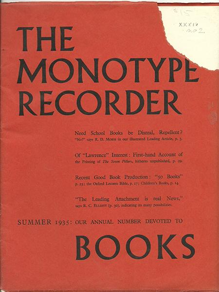 """Debiut Albertusa w wersji wersalikowej na okładce """"Monotype Recorder""""."""