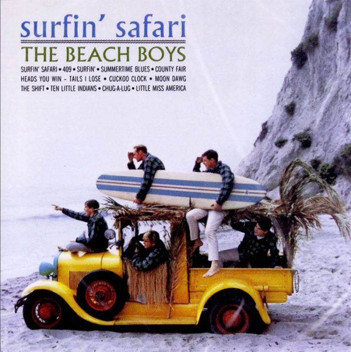 """Surfin' Safari"" płyta The Beach Boys. Na okładce krój Albertus."